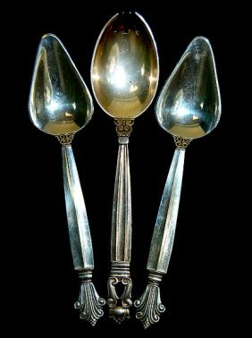 16: Georg Jensen set of 3 sterling flatware pieces to i