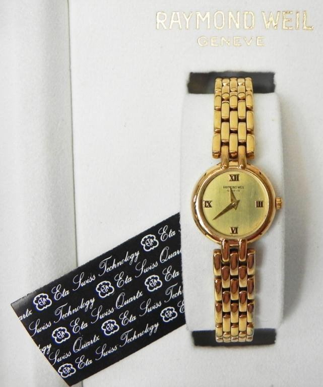 "10: Lady's Raymond Weil watch model 5806-2 ""Tango"""