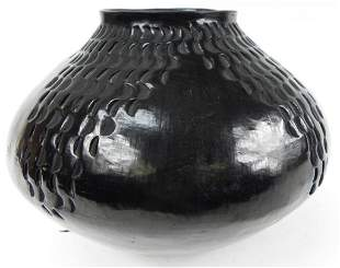 Casa Grande Mata Ortiz blackware Olla