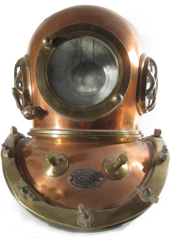 95: Vintage TOA 12 bolt brass and copper diving helmet