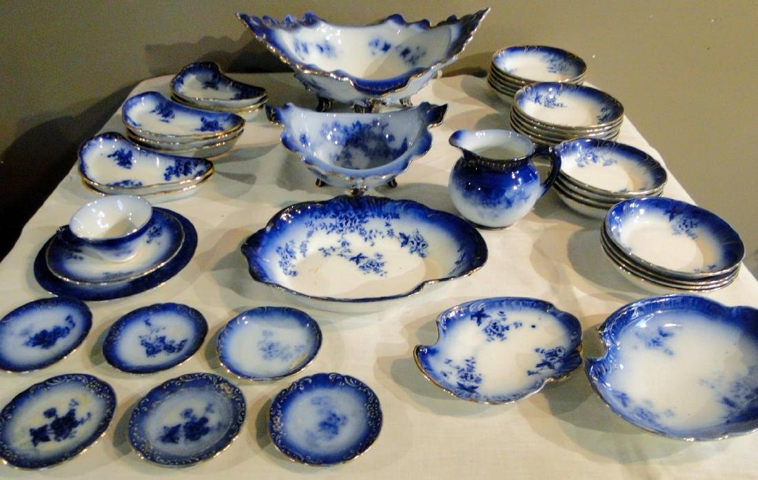 Flow Blue La Belle China Large Group