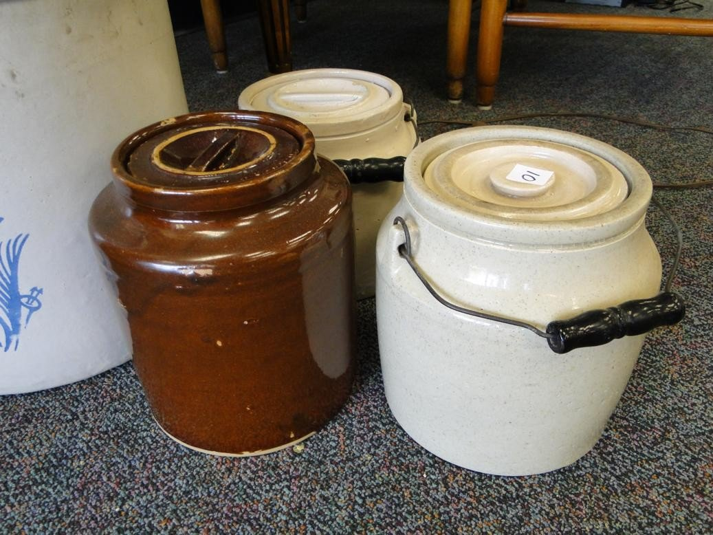 10: Bale handled covered storage crock