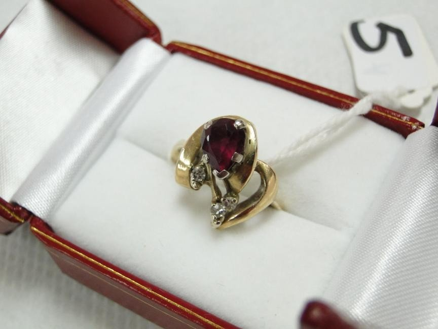 5: 14K yellow gold ring w/natural ruby along with 4 mul