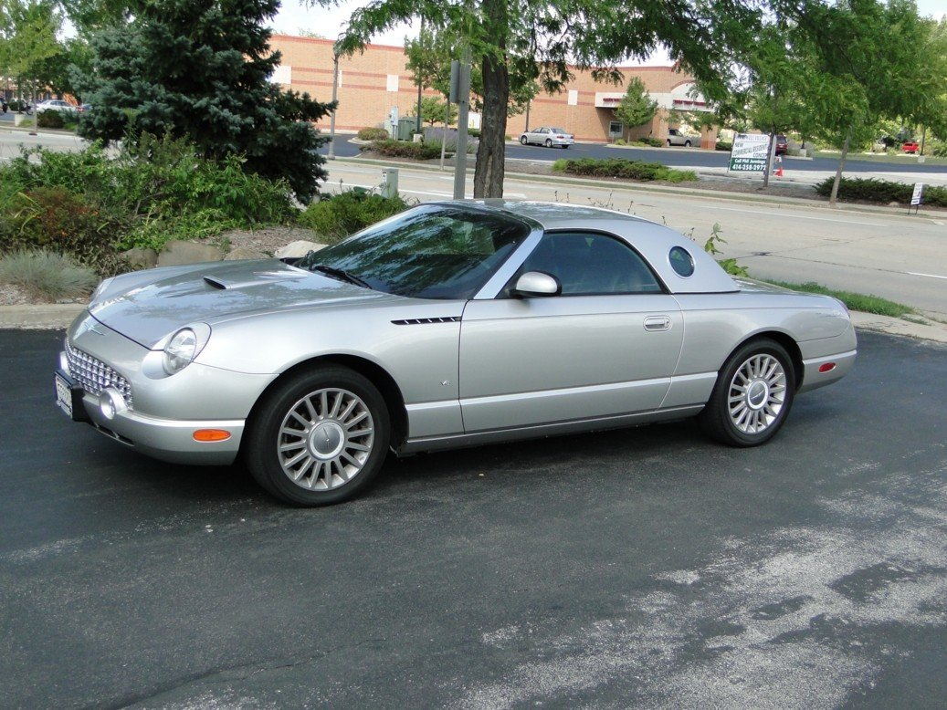 76: Great condition 2004 Ford Thunderbird with removabl