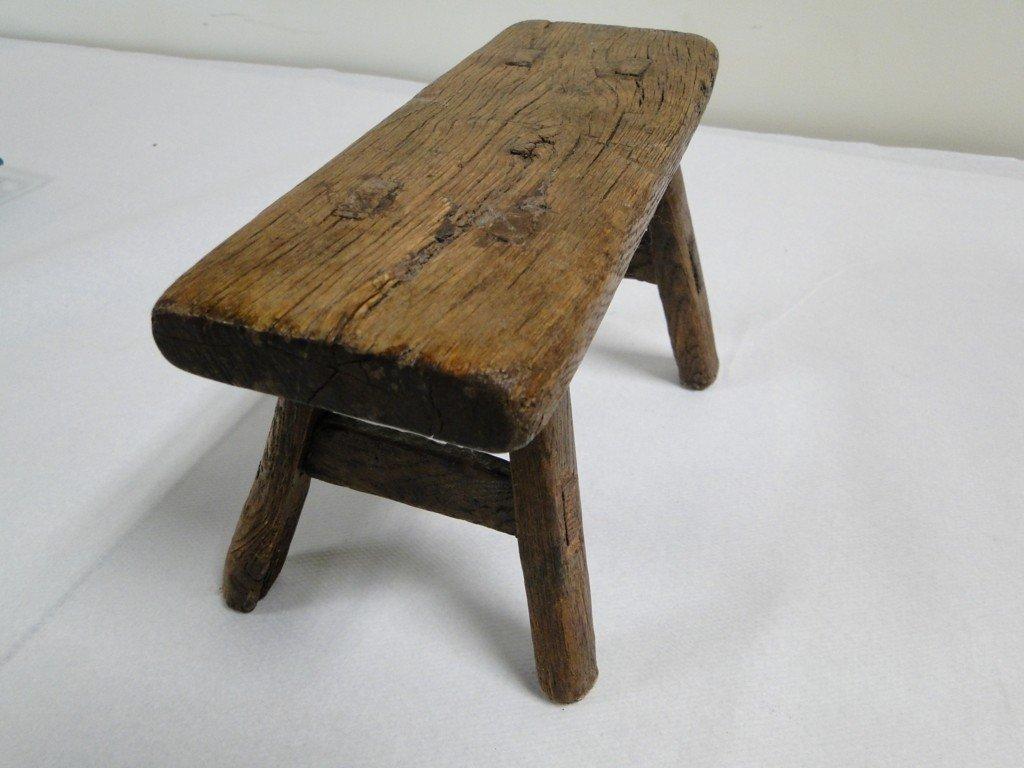 26: Unusual Japanese foot binding stool peg constructio - 2