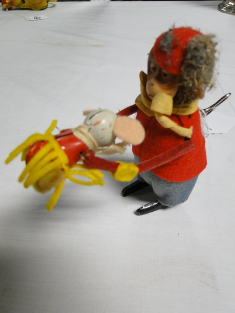 7: Key wind monkey with mouse