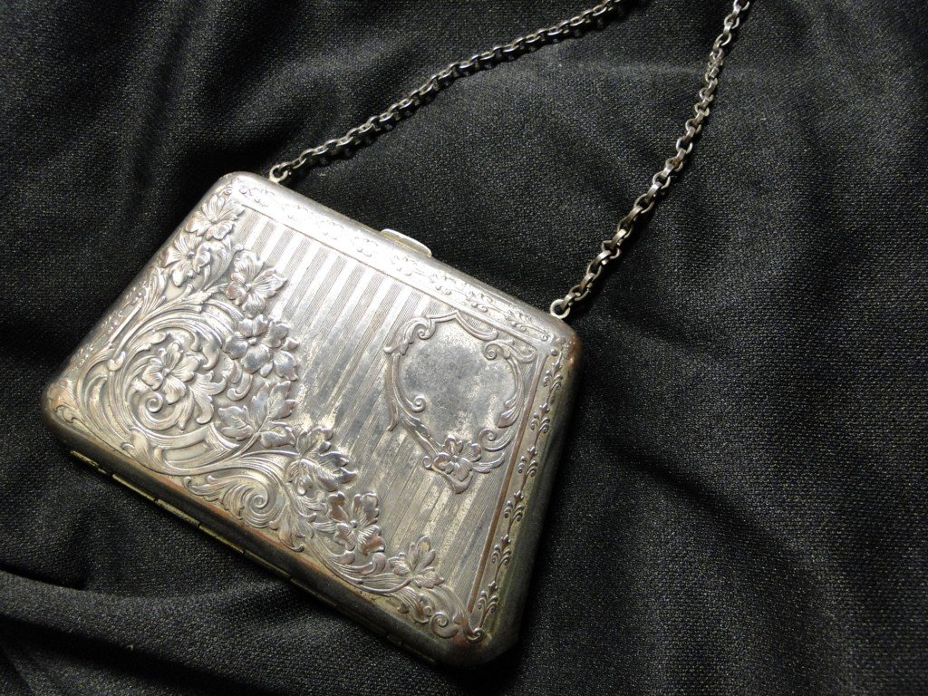 506: Turn of the century Edwardian filigreed coin purse
