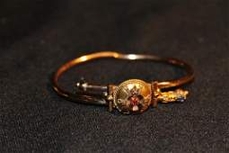 242 Victorian 14K gold bracelet w small red  ruby