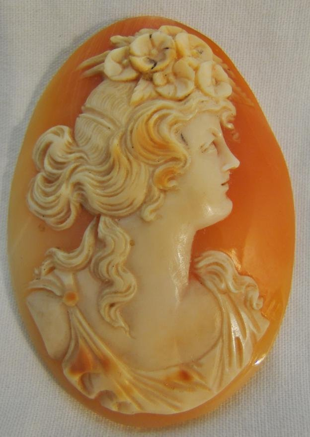Antique genuine shell cameo, beautifully carved female