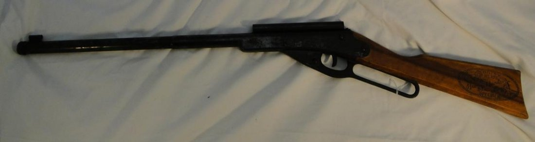 """A Daisy No. 195 """"Buzz Barton Special"""" BB gun"""