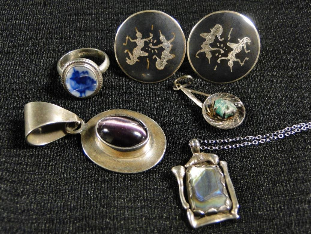 Sterling lot to include sterling Siamese cufflinks,