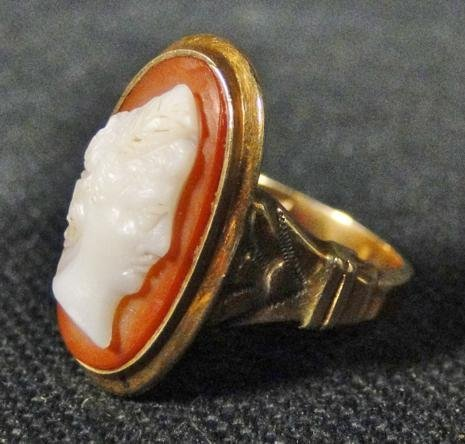 Turn of the century carved 10k gold cameo ring