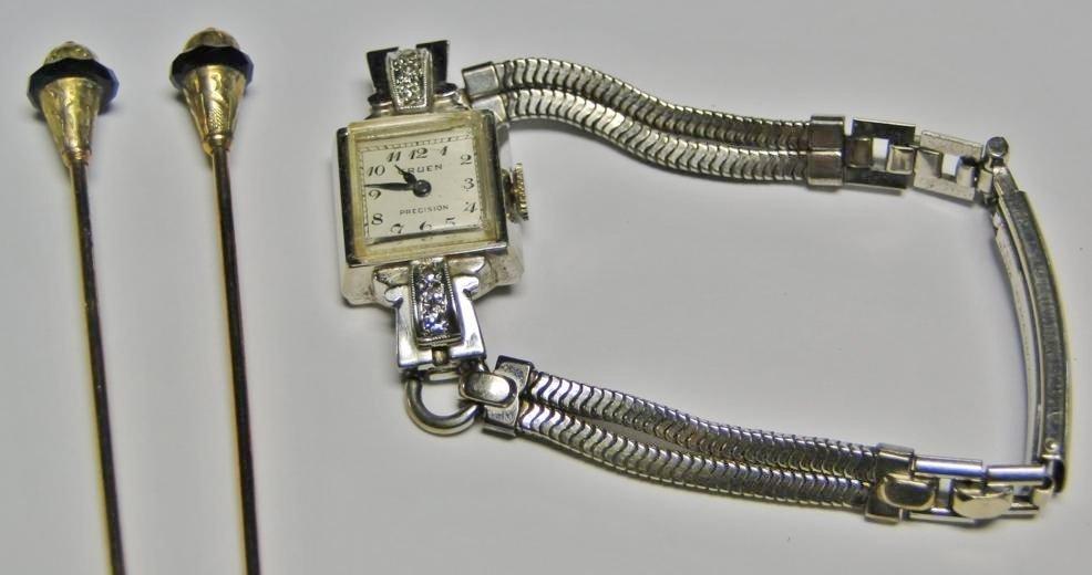 14k gold ladies Gruen wrist watch with diamond accents - 2