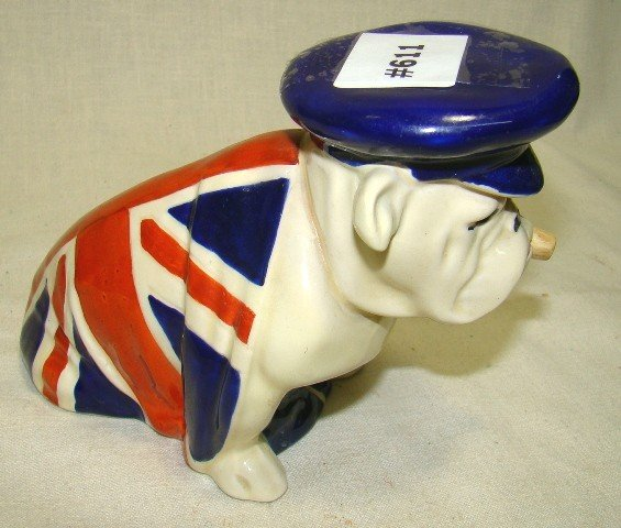 611: Rare Royal Doulton med. Sitting bulldog w/Draped U