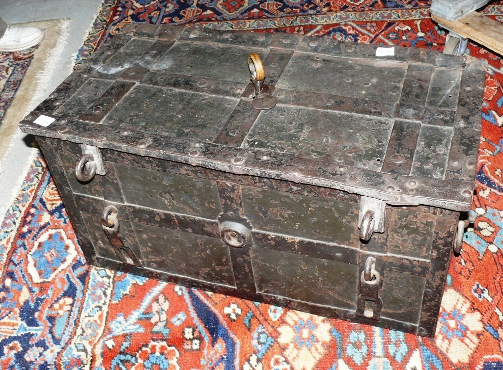 Armada chest, w/key, safe strong box, German, 17th c