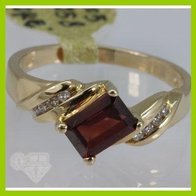 Genuine  1.33 ctw  Garnet Ring  14KT Yellow Gold  Ring
