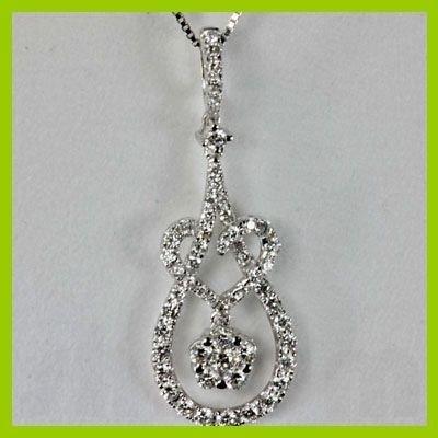 Genune 0.710 ctw heartstar Diamond Pendant 18kt