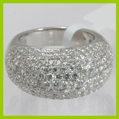 Genuine 3.95 ctw Anniversary Tappered Diamond Ring 18kt
