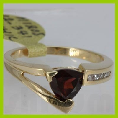 Genuine  1.35 ctw  Garnet Ring  14KT Yellow Gold