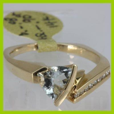 Genuine  0.98 ctw  Aquamarine Ring  14KT Yellow Gold