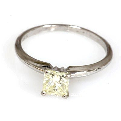 0.75 ct Princess cut Diamond V V S - C1 Solitaire Ring