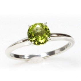 Natural 1.75ctw Peridot Round .925 Sterling Silver Ring