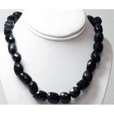 Natural Big Black Spinal Beads Necklace