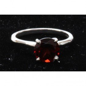 Natural 1ctw Garnet .925 Sterling Silver Ring