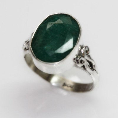 NATURAL 4.17 GRAMS EMERALD OVAL RING .925 STERLING SILV