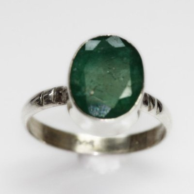 NATURAL 3.24 GRAMS EMERALD OVAL RING .925 STERLING SILV