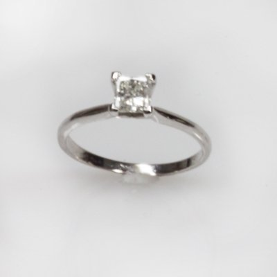 Certified 0.5 ctw Diamond Solitaire Ring G, SI-1/SI-2