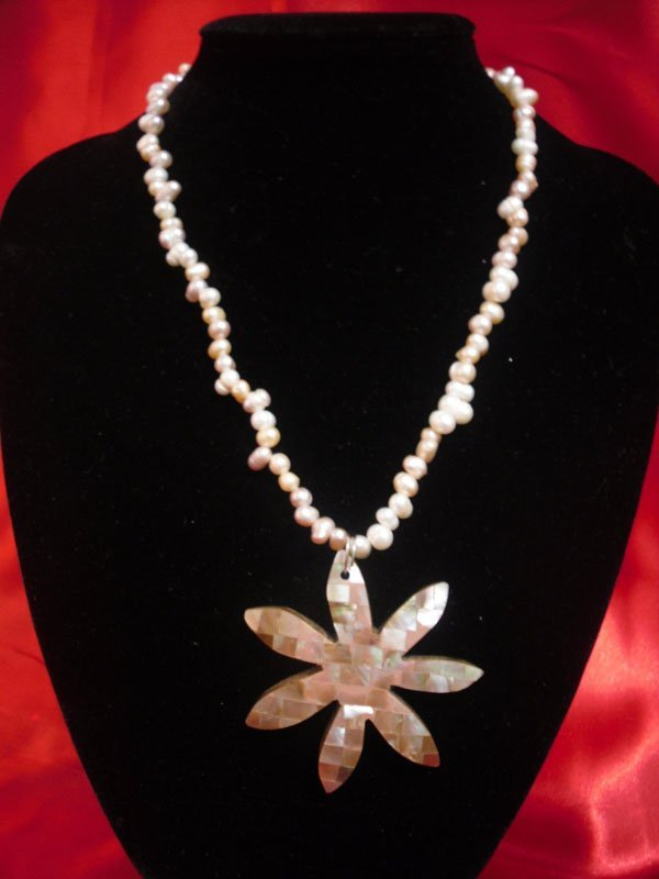 NATURAL 200 CTW ZIGZAG PEARL NECKLACE WITH STAR PENDANT