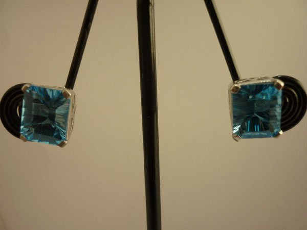 13.50 CTW BLUE TOPAZ EARRING .925 STERLING SILVER