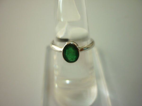 10.50 CTW EMERALD RING .925 STERLING SILVER