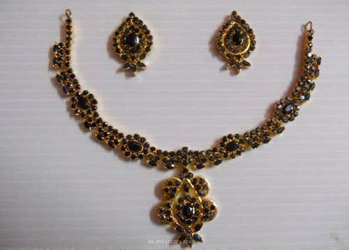 181.20 CTW GOLD PLATED SAPPHIRE NECKLACE AND EARRING S
