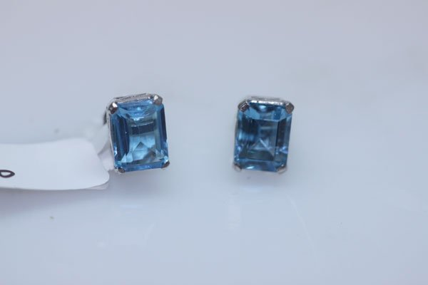 17.70 CTW BLUE TOPAZ EARRING .925 STERLING SILVER