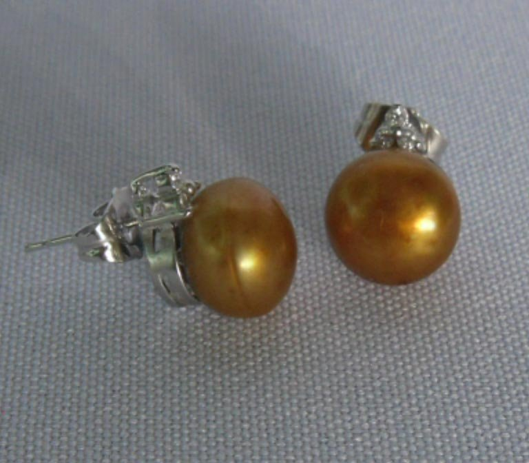 CHAMPAGNE PEARL 3-STONE CZ EARRINGS; AUTHENTIC PHILIPPI
