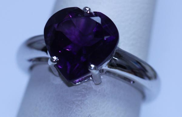 18.50 CTW AMETHYST RING .925 STERLING SILVER