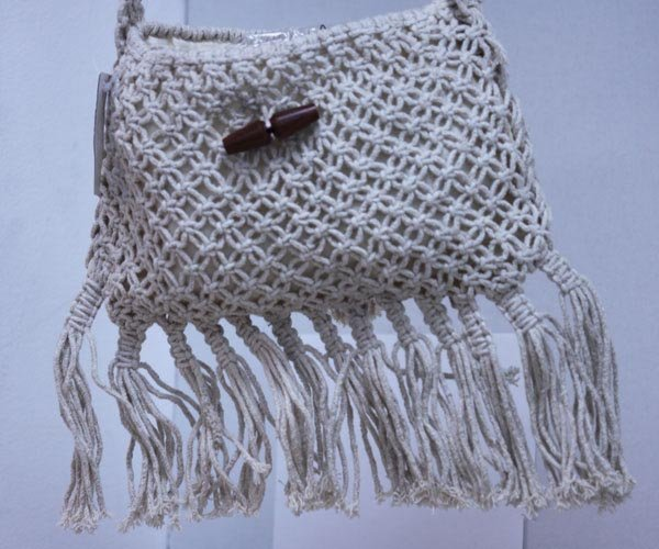 CREAM KNITTED SIDEBAG