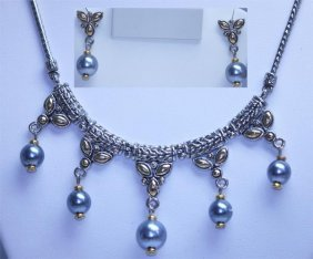 WHITE BRASS ANTIQUE STYLE SYNTETIC BLUE PEARL NECKLACE