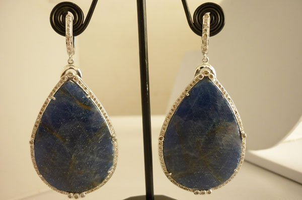110.4 CTW SAPPHIRE AND DIAMOND EARRING AND PENDANT SET