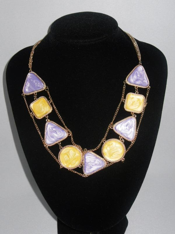 300CTW YELLOW PURPLE MULTI-SHAPED BRASS NECKLACE;18INCH