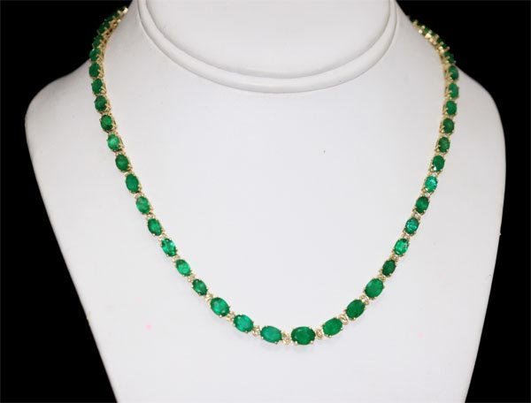 APP. 24K; EMERALD AND DIAMOND 14K GOLD NECKLACE