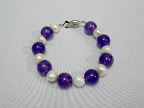 125CTW PHILIPPINE PEARL AND AMETHYST BRACELET