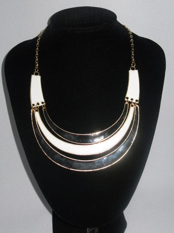 264CTW 3-LAYERED HALF MOON BLACK-WHITE BRASS NECKLACE;1
