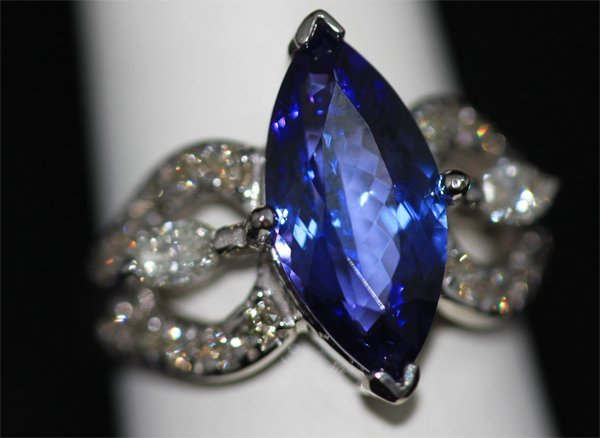 14K GOLD MARQUISE TANZANITE AND DIAMOND RING