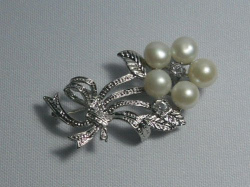 CLASSIC WHITE PEARL CZ BROOCH AUTHENTIC PHILIPPINE PEAR