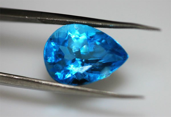 4.56 CTW BLUE TOPAZ OVAL 10X12MM
