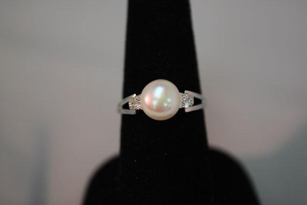 20.00 CTW ANTIQUE LOOKING CZ AND  PEARL RING .925 STERL