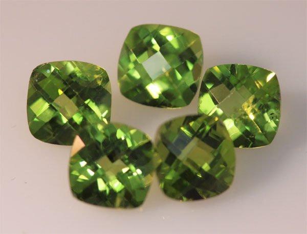 7.38 CTW PERIDOT CUSHION 7X7MM (5)